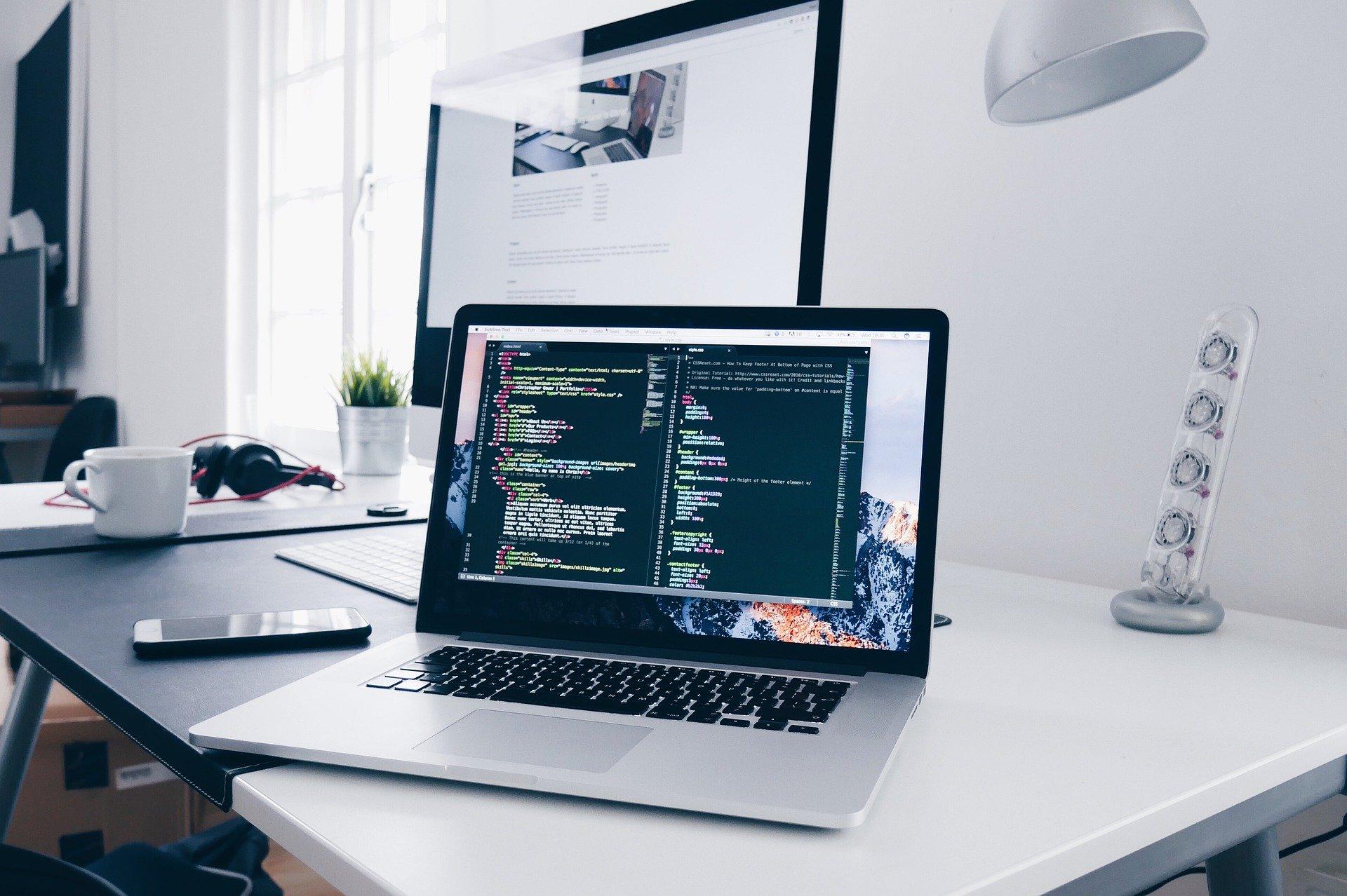 プログラマとシステムエンジニアの違いを超わかりやすく解説!【現役SEが】